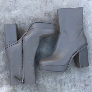 Zara Shoes - Zara Gray Platform Boots